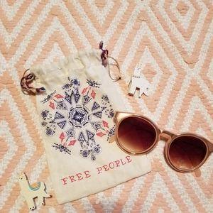 Free People ✌🌻Sunglasses😎🕶